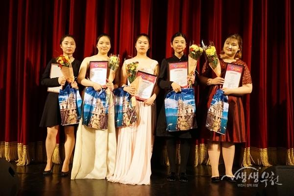 ▲ 부천시 수상자(왼쪽부터 오세은, 김소현, 박슬기, 김소은, 장서연 학생)