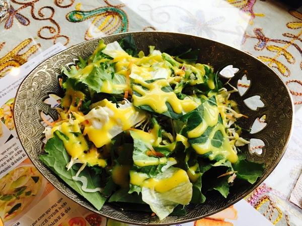 ▲ 야채가 살아 숨쉬는 샐러드