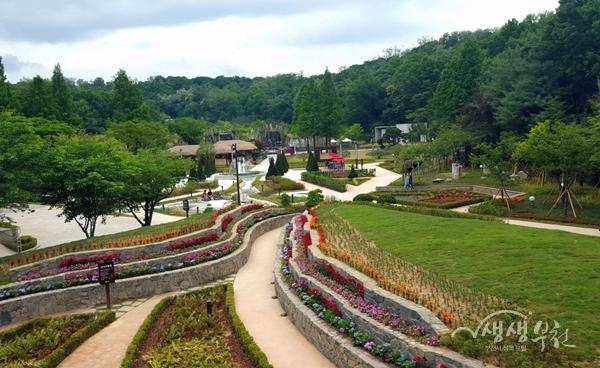 ▲ 부천자연생태공원 꽃계단길