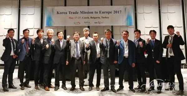 ▲ 부천시는 동남아 시장개척에 참가할 기업체를 모집한다. (사진은 지난 5월 유럽 시장개척단)