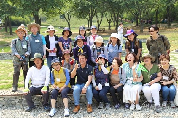 ▲ 부천인생학교 산행행사 참가자들