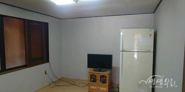 ▲ 벽지와 장판을 교체한 후 깨끗해진 집