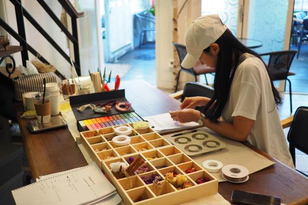 ▲ 직접 고른 색과 향을 넣어 소이캔들을 만들어 볼 수있다.
