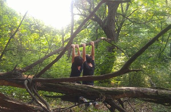 ▲ 스스로 숲에서의 시간을 결정하는 아이들