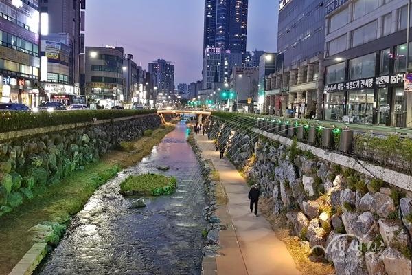 ▲ 심곡 시민의강 낙하분수