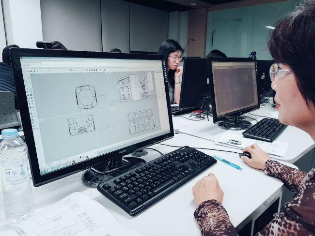 ▲ 부천대 '3D 프린팅 운영사' 강좌 모습