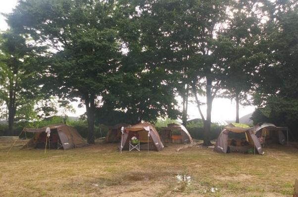 ▲ 캠핑장 임대텐트 모습