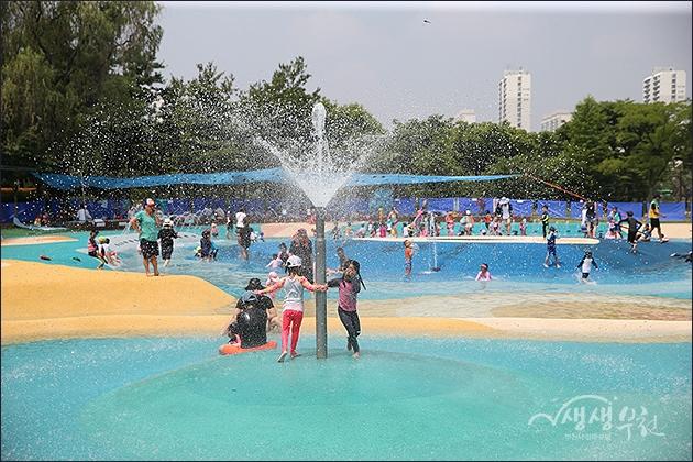 ▲ 중앙공원 물놀이장