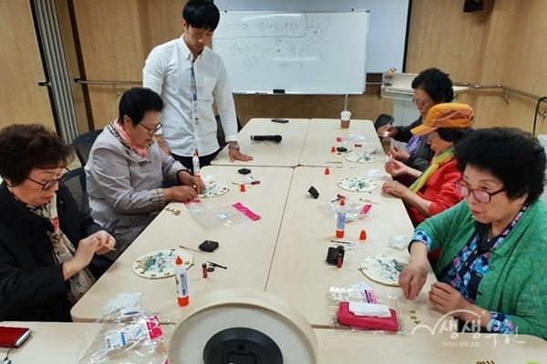 ▲ 소사치매안심센터 쉼터 프로그램 운영모습