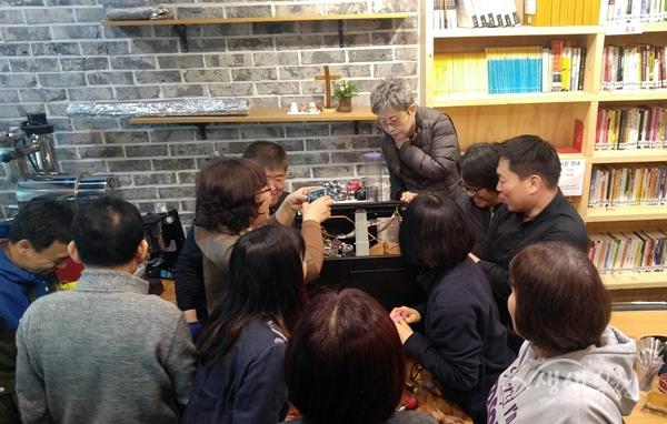 ▲ 지난해 커피머신 관리사 양성 과정 카페 현장 실습 사진