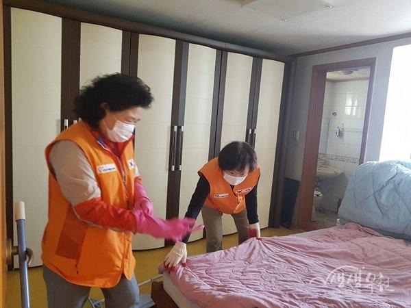 ▲ 소사본동 사랑나눔 청소봉사