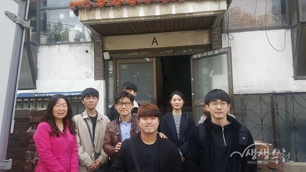 ▲ 경서교회 청년 봉사단원들