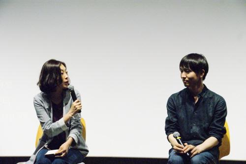 ▲ 영화 '김군'의 강상우 감독이 모더레이터의 질문에 답하고 있다.(오른쪽부터 강상우 감독, 박혜미 모더레이터)