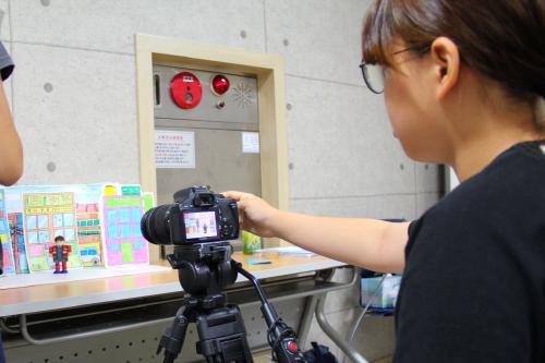 ▲ 애니메이션 제작 교육 '좀 노는 애니'에서 학생이 애니메이션 촬영을 하고 있다.