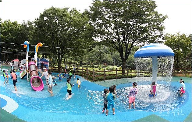 ▲ 도당공원 물놀이터