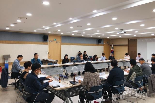 ▲ 부천시가 안전한 보행환경 개선사업 TF팀 회의를 하고 있다.
