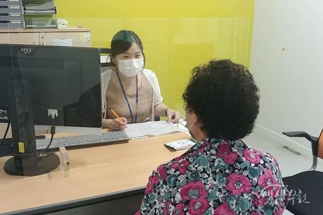 ▲ 오정보건소는 코로나19 감염예방을 위해 안전한 환경을 조성하며 서비스를 점차적으로 확대해나갈 계획이다