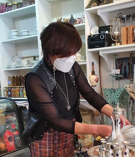 ▲ 카페를 운영하는 황규희대표