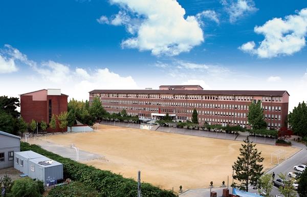 ▲ 시온고등학교 전경사진