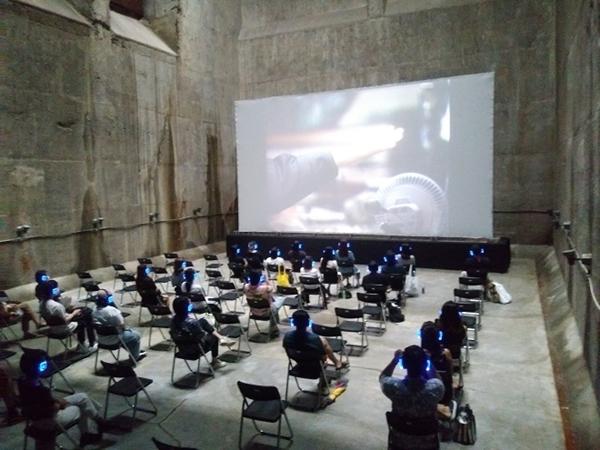 ▲ 제25회 BIFAN은 부천아트벙커B39에서도 진행되었다. KBS 아카이브 프로젝트 '모던 코리아 시즌2'의 '짐승' 상영 모습