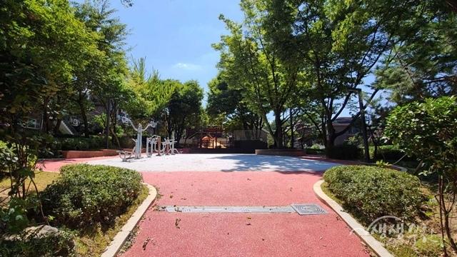 ▲ 종점어린이공원 광장 및 순환산책로